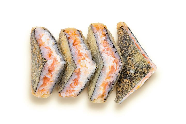 Сэндвич с лососем в соусе том-ям